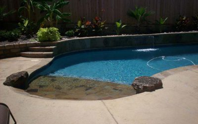 How landscaping enhances the swimming pool