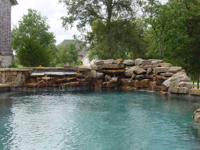 Waterfalls for your pool for Swimming pool waterfalls construction