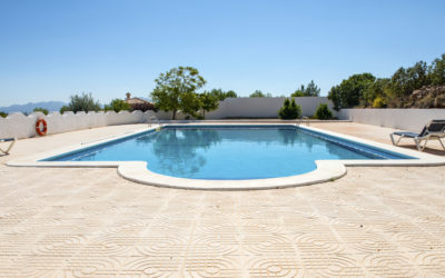 3 reasons to get a concrete pool